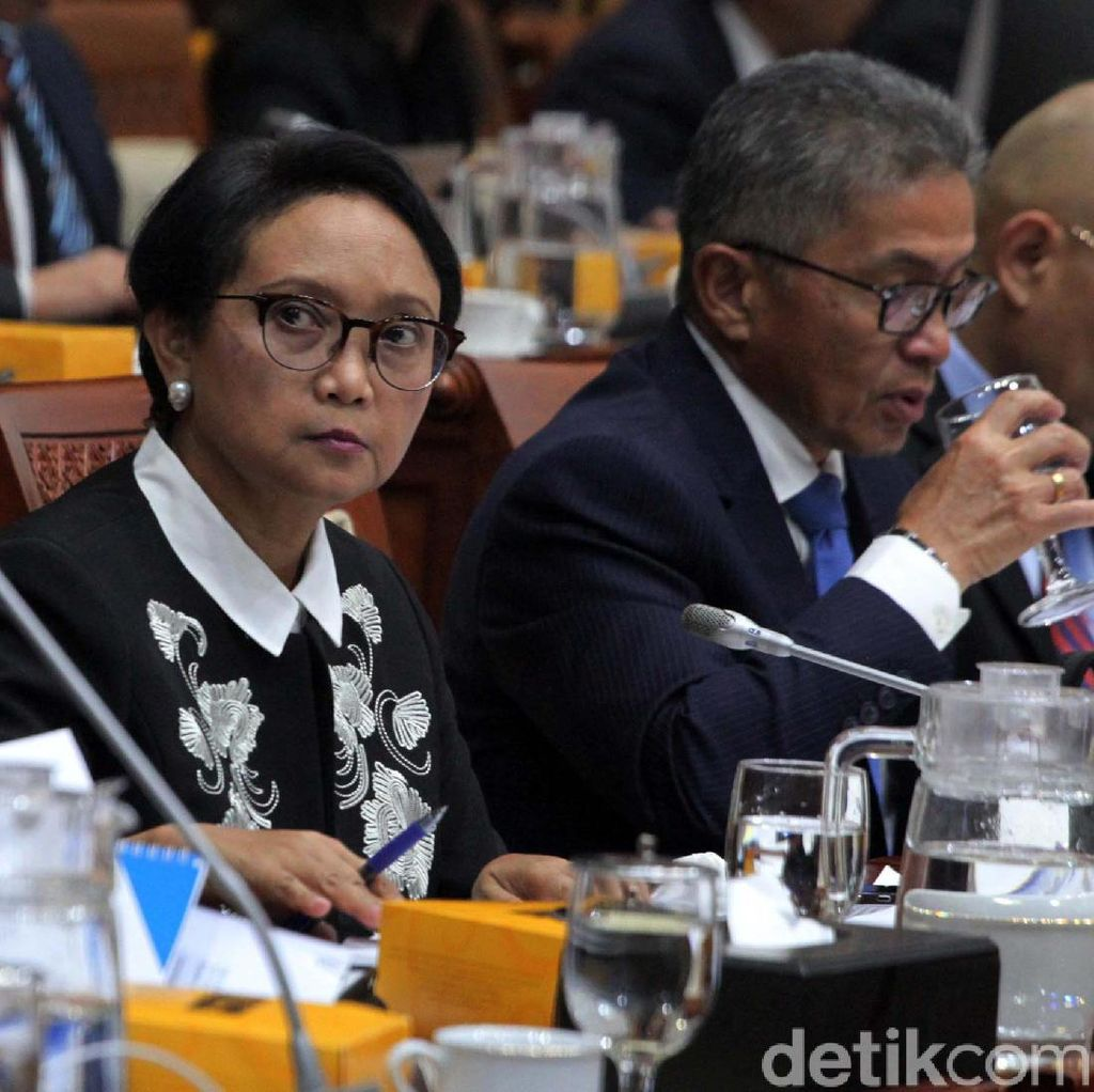 Menlu-Komisi I DPR: Informasi soal Habib Rizieq 1 Pintu ke Menko Mahfud