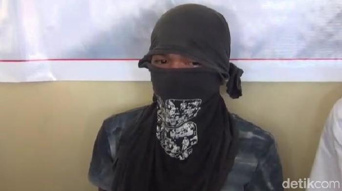 Foto: Pelaku penusukan ABG di Kendari (Siti-detikcom)