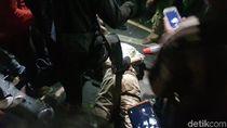 Usai Dikejar Para Pemotor di Pasar Minggu, Pengemudi Mobil Dipukuli