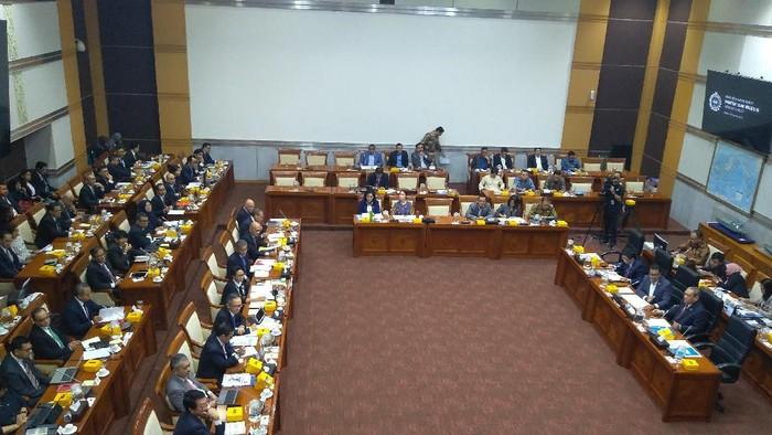 Rapat Komisi I DPR dengan Menlu Retno Marsudi (Nur Azizah Rizki Astuti/detikcom)