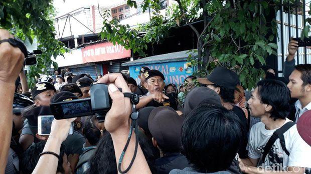 Diwarnai Protes hingga Tapa Pepe, PKL Gondomanan Yogya Dieksekusi