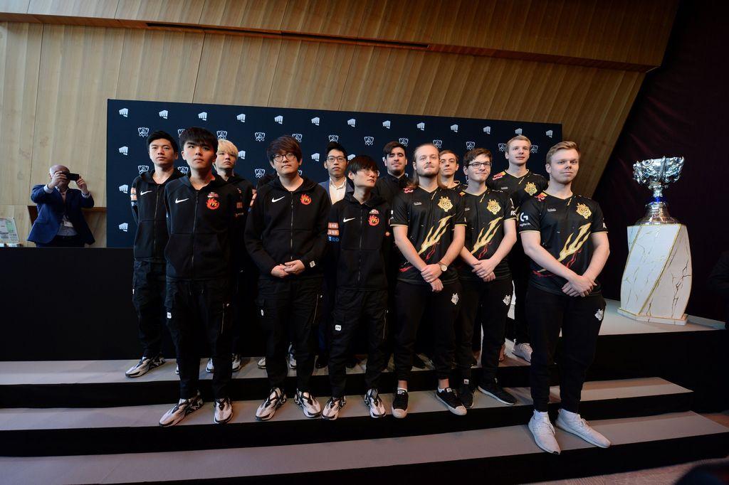 FunPlus Phoenix (FPX) dari China menghadapi G2 Esports asal Eropa dalam partai final League of Legends di Paris. Foto: Reuters