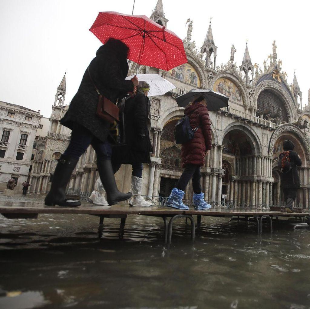 Potret Venesia yang Tergenang Imbas Gelombang Pasang