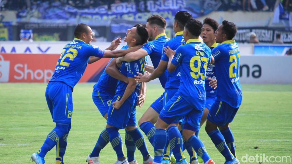 Jamu Arema FC, Persib Menang Besar di Si Jalak Harupat