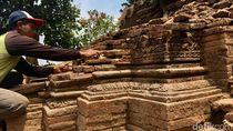 Cerita Kuswari 11 Tahun Rawat Candi Watesumpak di Mojokerto Tanpa Digaji