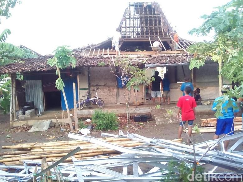 3 Desa di Kudus Diterjang Angin Kencang, Puluhan Rumah Rusak
