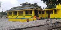 Masjid Besar Raja Haji Abdul Ghani ini lebih tua dari Masjid Raya Sultan Riau di Pulau Penyengat, Bintan (Foto: Ahmad Masaul Khoiri/detikcom)
