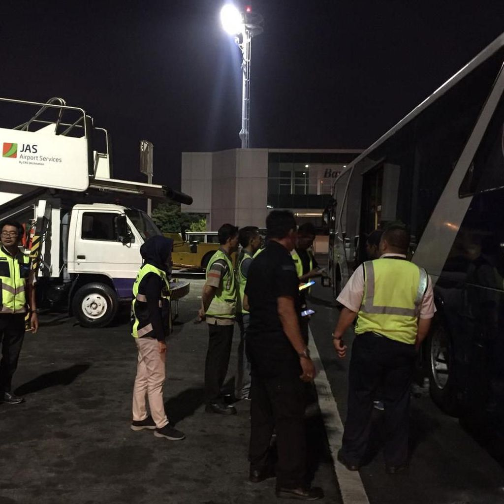 Bus di Area Bandara Ngurah Rai Bali Kembali Keluarkan Api dan Berasap