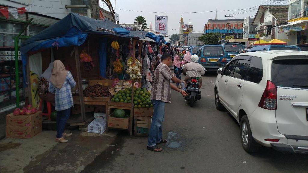 DPRD Kabupaten Bogor Minta PKL di Pasar Citeureup Direlokasi