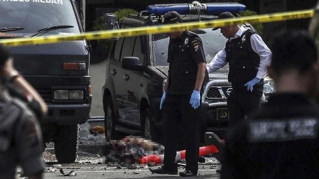 TKP bom bunuh diri di Mapolrestabes Medan.