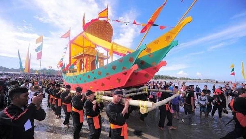 Iraw Tengkayu, Ritual Arak Perahu di Kota Tarakan