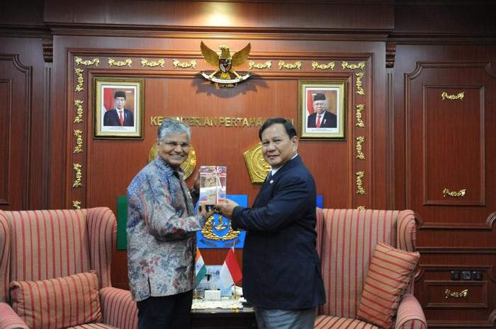 Foto: Pertemuan Prabowo dengan Dubes India (dok. Kementerian Pertahanan)