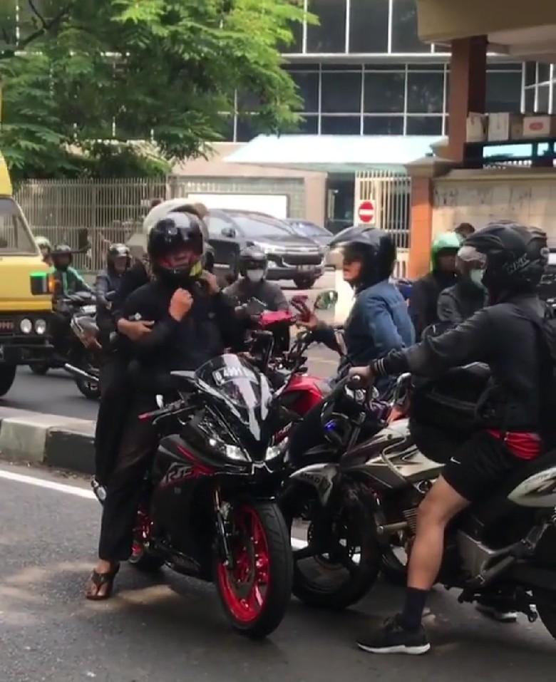 Viral Pemotor Marah-marah Saat Lawan Arus, Polisi Minta Warga Patuhi Aturan