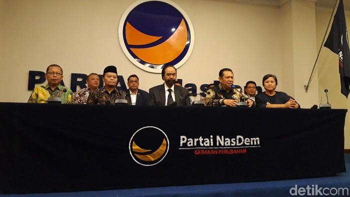 Foto: MPR bertemu Ketum NasDem Surya Paloh (Lisye Sri Rahayu/detikcom)