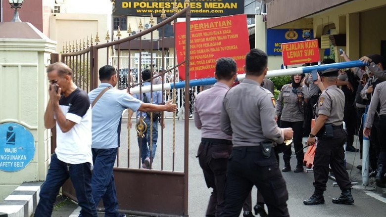 Video Polri Beberkan Hasil Investigasi Aksi Pelaku Bom di Medan