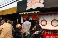 Rela Antre 2,5 Jam Demi 'Fish & Chips' ala Indonesia Racikan Rachel Vennya