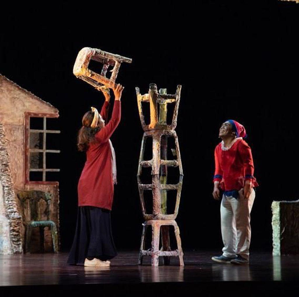 Suguhan Kursi-Kursi Teater Satu Lampung Buka FTJ 2019