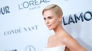 Charlize Theron Alami Pelecehan Seksual Tak Cuma Sekali