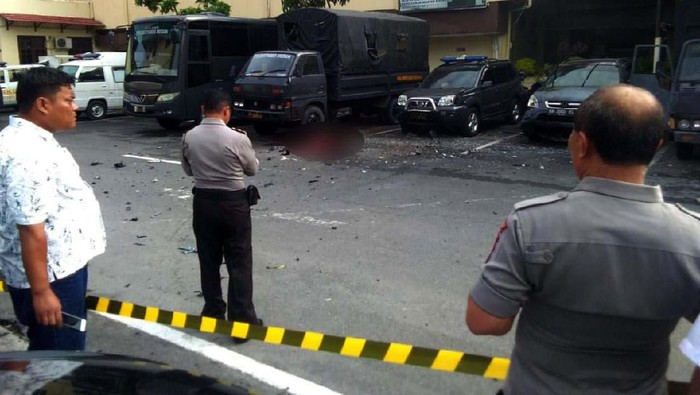 Foto-foto Usai Bom Bunuh Diri di Polrestabes Medan. (Foto: Istimewa)