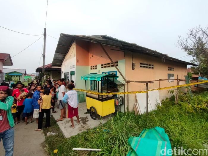Rumah yang digeledah Tim Jibom. Foto: Budi Warsito/detikcom