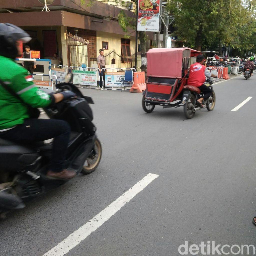 Jalan Sekitar Polrestabes Medan Kembali Dibuka Pasca Bom Bunuh Diri