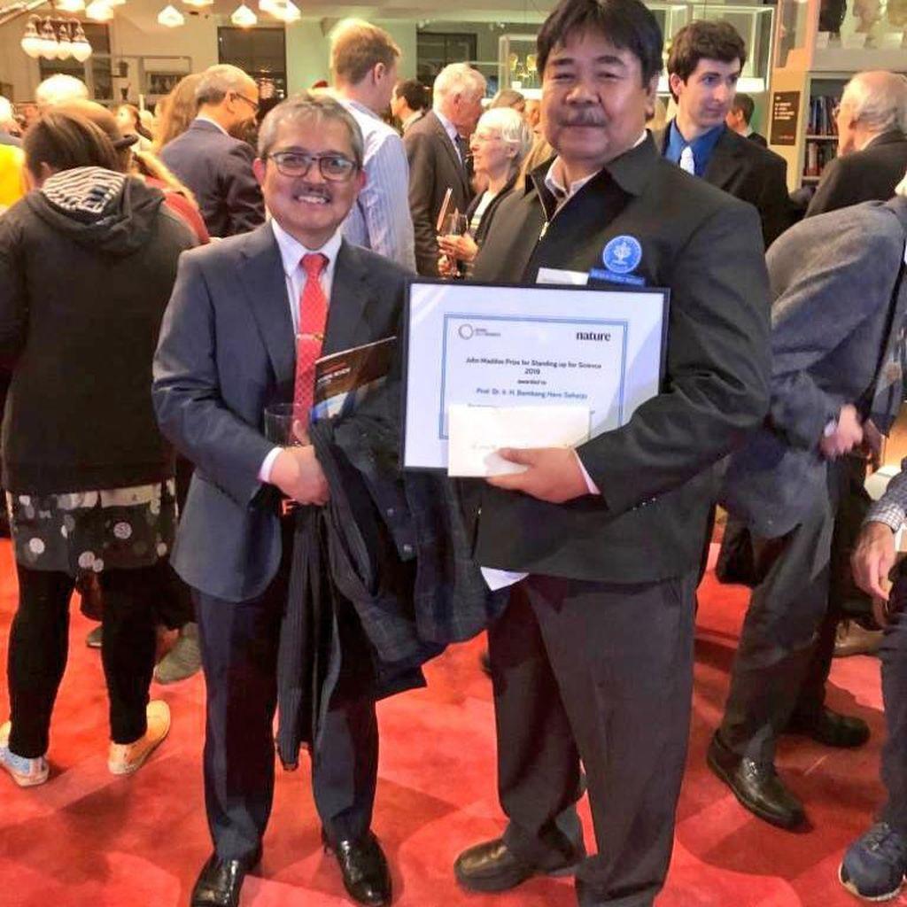Ahli Karhutla yang Digugat Rp 510 M Dapat Penghargaan Maddox di London