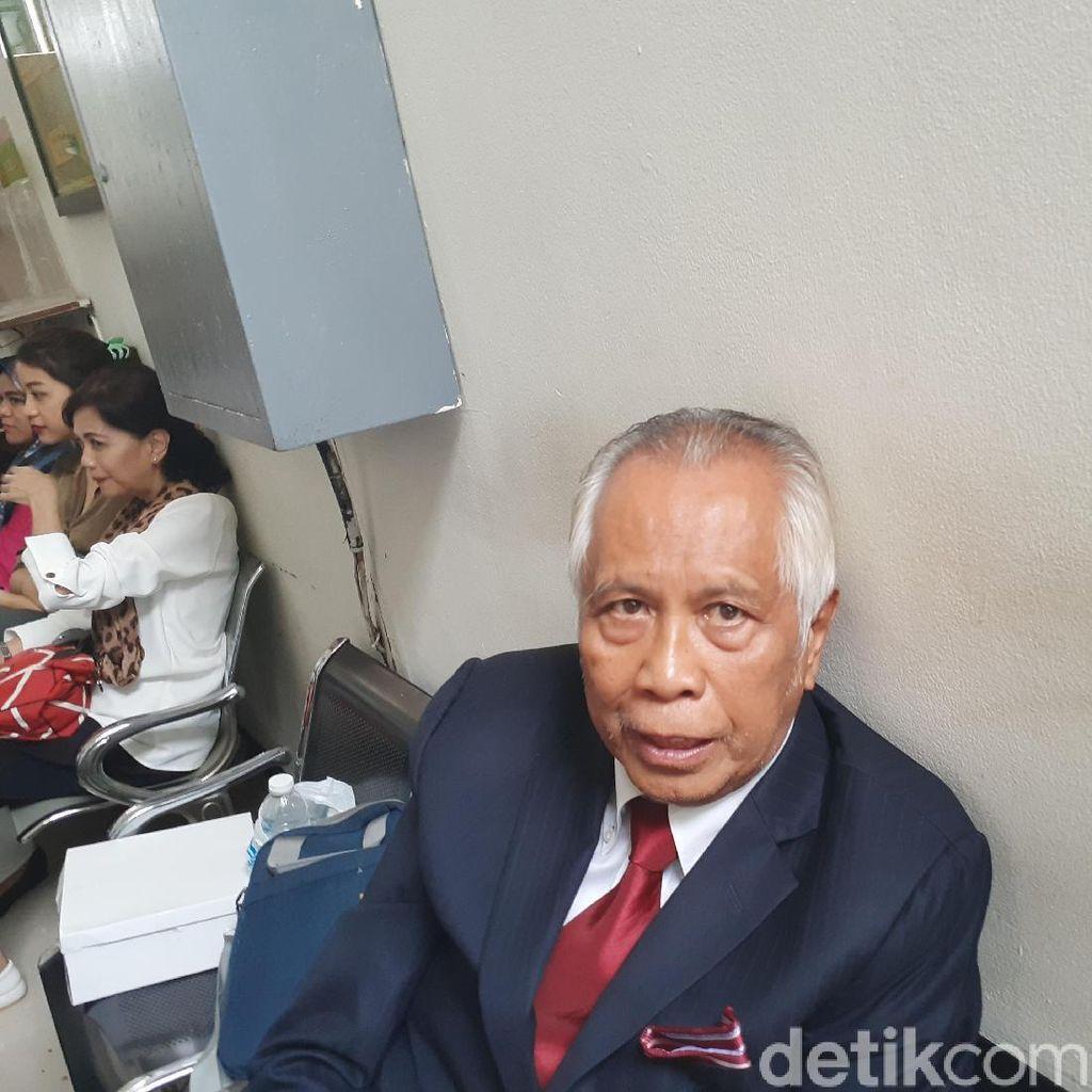 OC Kaligis Gugat Anies soal Pengangkatan Bambang Widjojanto di TGUPP