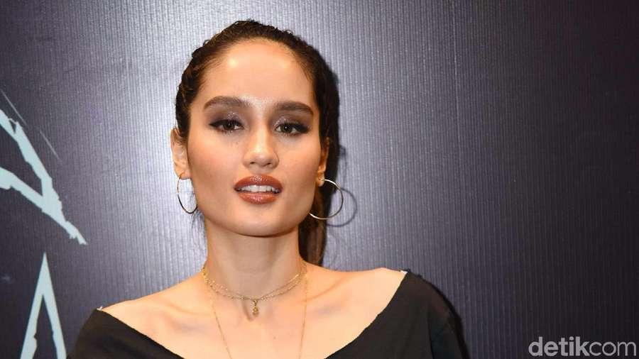 Cinta Laura Jadi Gadis Bogor, Ini Kesulitannya