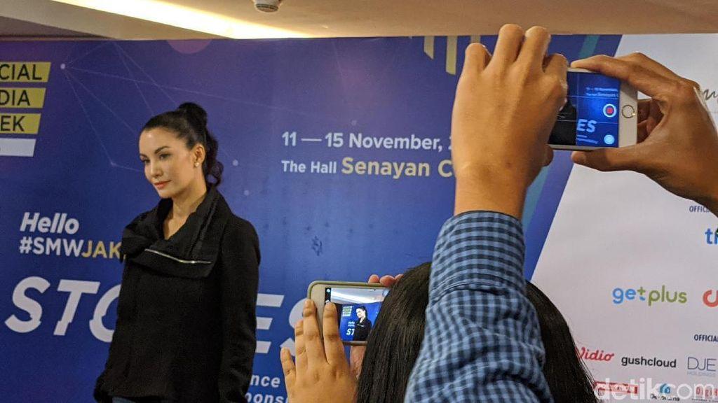 Nadya Hutagalung Dukung Instagram Sembunyikan Jumlah Like
