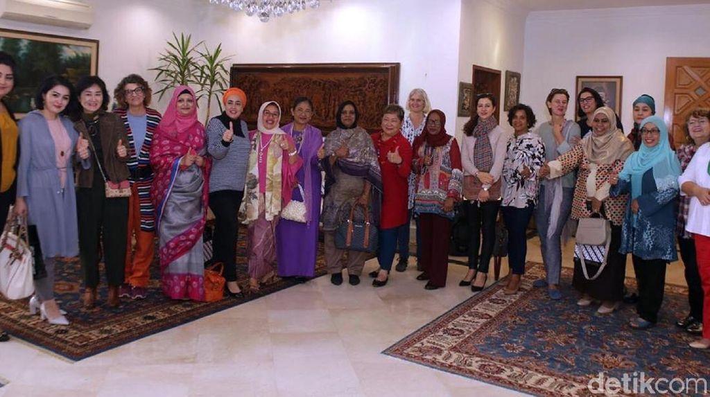Batik Lokatmalala SukabumiWakili Indonesia di Festival Seni di Pakistan