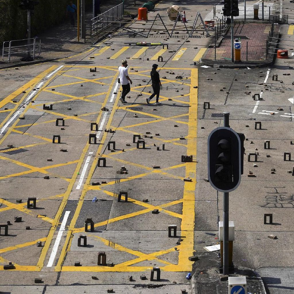 Sempat Kritis Kena Batu Saat Demo Bentrok, Pria Lansia Hong Kong Meninggal