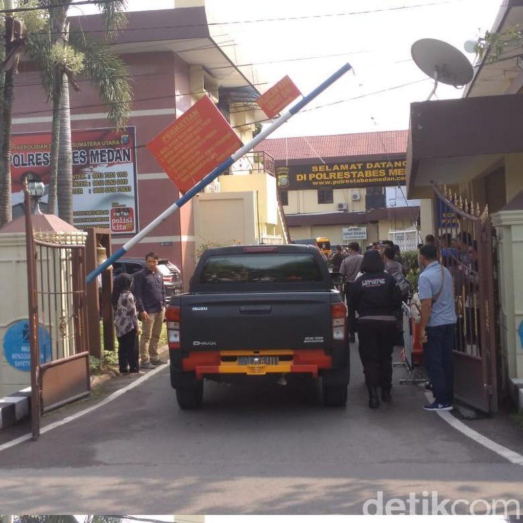 Pelaku Bom Bunuh Diri di Polrestabes Medan Pakai Atribut Ojek Online