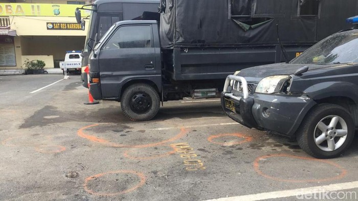 ILUSTRASI/Polrestabes Medan usai olah TKP pasca bom bunuh diri, Rabu (13/11/2019)Foto: Khairul Ikhwan-detikcom