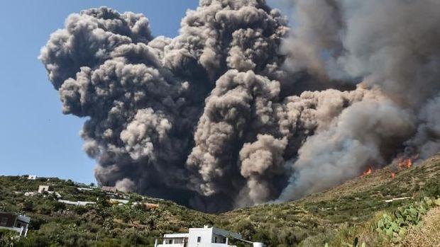 Stromboli, Pulau Indah dengan Gunung Vulkanik Teraktif Sedunia