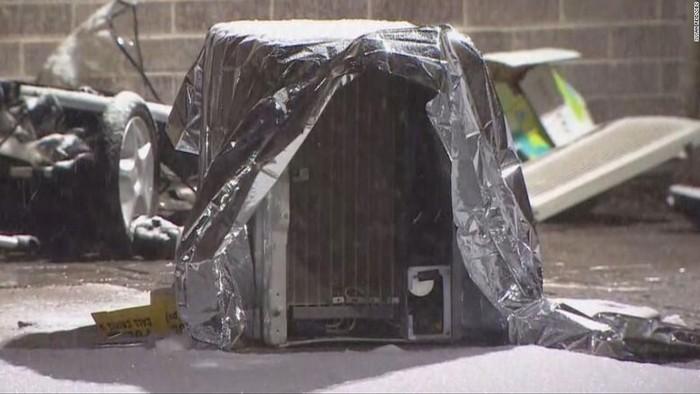 Unit pendingin udara yang menimpa kereta bayi dan menewaskan seorang balita berusia 2 tahun yang ada di dalamnya (Susan Reid/CBC via CNN)
