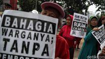 Aksi Tolak Anggaran Lem Aibon di DPRD DKI Jakarta