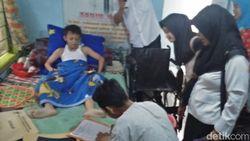 Mulai Pulih, Satu Siswa Korban Atap SDN Gentong Ambruk Tak Sabar Ingin Sekolah