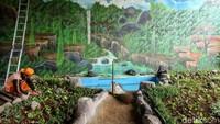 Selain dilukis mural 3 dimensi, taman juga akan dilengkapi saung untuk berjualan makanan khas Betawi seperti selendang mayang dan sebagainya, hasil olahan PKK dan karang taruna.