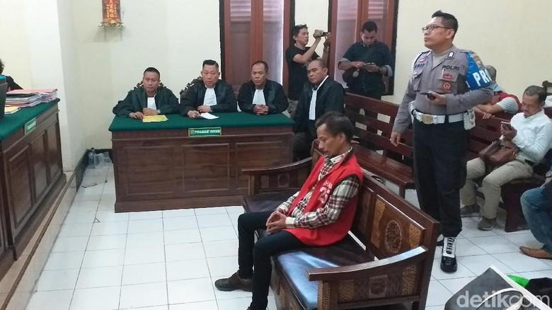 Kasus Ganja, Bassist Boomerang Hubert Henry Divonis 16 Bulan Penjara