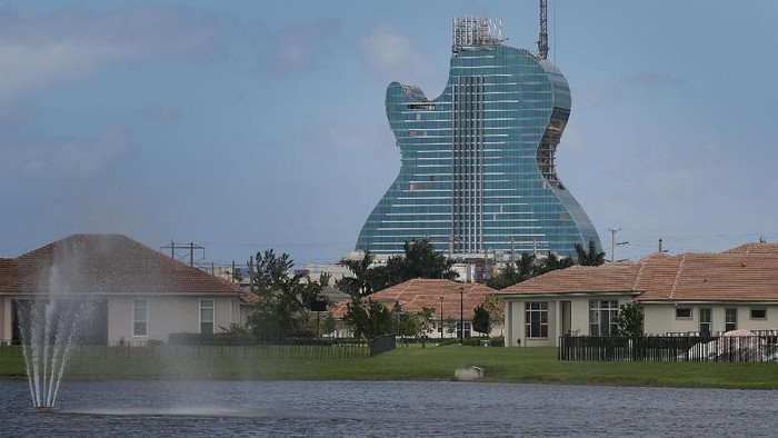HOLLYWOOD, FLORIDA - MAY 24: The guitar-shaped 400-foot-tall Hard Rock Hotel is seen as it is under construction on May 24, 2019 in Hollywood, Florida. The 638-room hotel is part of the Seminole Hard Rock Hotel & Casino Hollywood complex and is scheduled to open on October 24.(Photo by Joe Raedle/Getty Images)