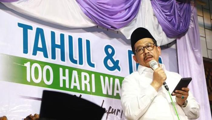 Wamenag Zainut Tauhid saat menghadiri peringatan 100 hari wafatnya Mbah Moen.