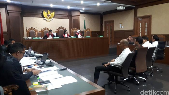 Sidang kasus dugaan suap Eks Dirkeu Angkasa Pura II. (Faiq Hidayat/detikcom)