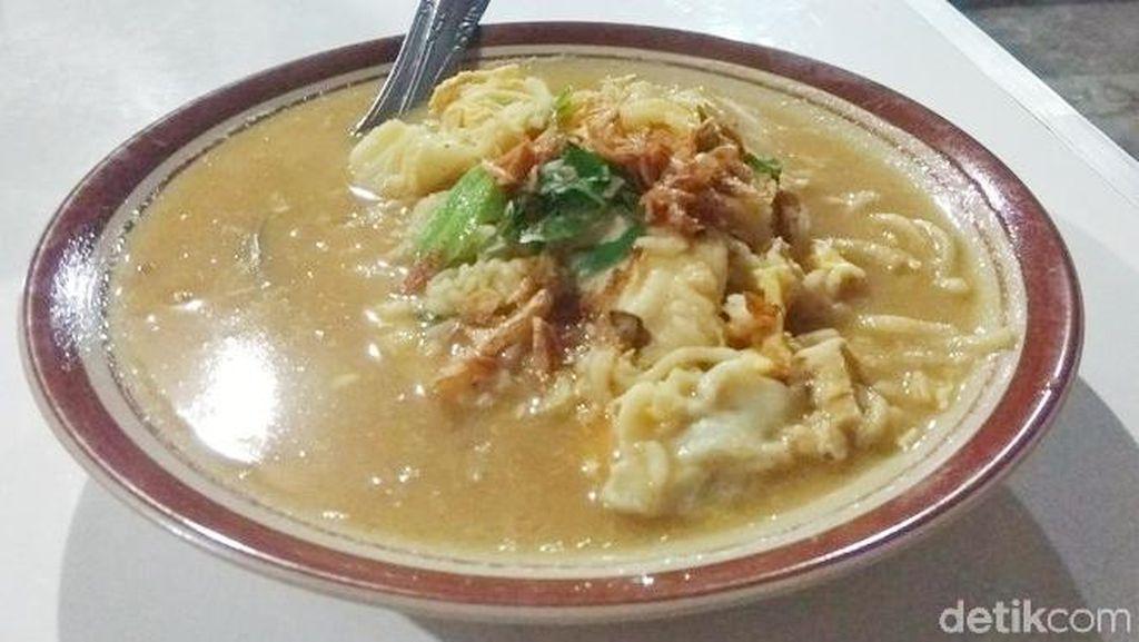 Gurih Mlekoh! Nasi Godok Spesial Ayam Kampung Khas Borobudur