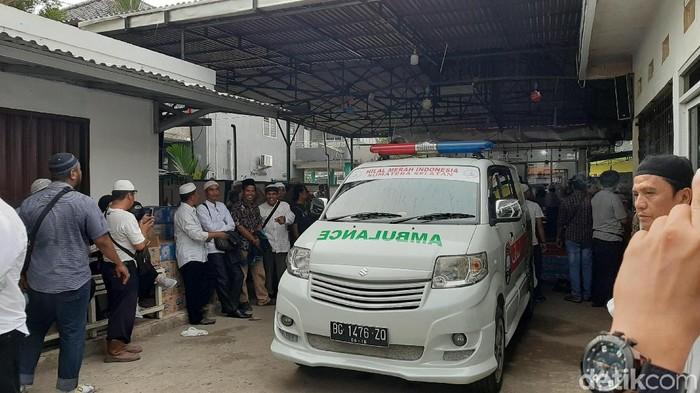 Foto: Suasana di rumah duka Ustaz Taufik Hansuri (Raja-detik)