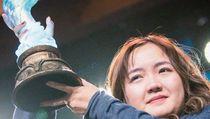 Keren, Ini Wanita 23 Tahun yang Pecahkan Rekor Turnamen eSport