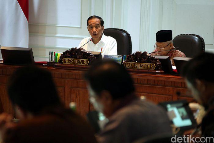 Presiden Jokowi didampingi Wapres Maruf Amin memimpin Sidang Kabinet Paripurna di kantor Presiden, Jakarta, Kamis (14/11/2019).