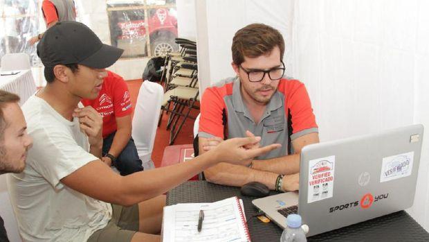 Sebelum Turun di Reli Medan, Sean Jajal Dulu Mobilnya