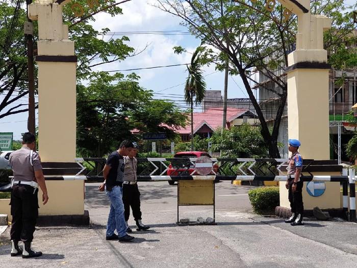 Kapolda Sulsel meminta jajaran memperketat pengamanan pasca-bom bunuh diri di Polrestabes Medan. (Dok. Istimewa)