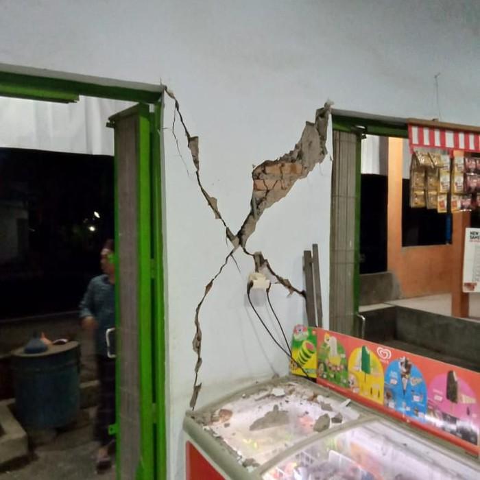 Rumah Rusak di Buleleng Akibat Gempa Bali (Foto: Dok BPBD Buleleng)
