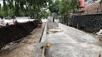 Pembangunan kolam renang ini merupakan bagian dari revitalisasi Gedung Pakuan.